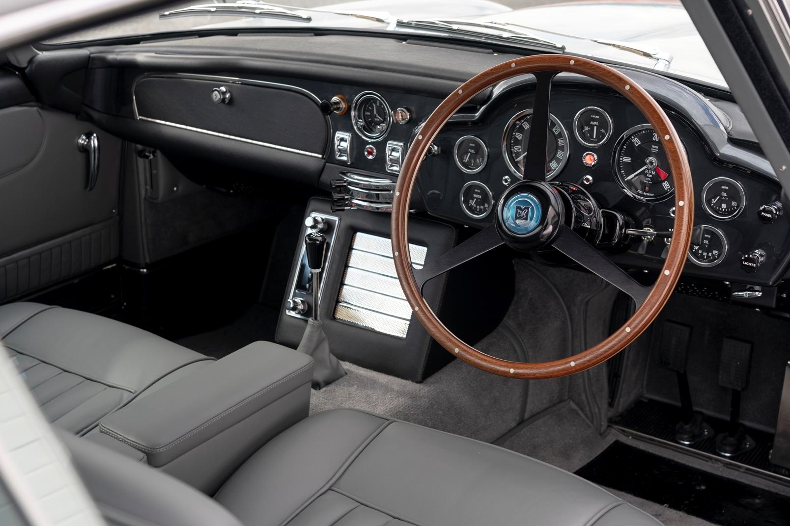 Aston Martin Db5 Goldfinger (26)