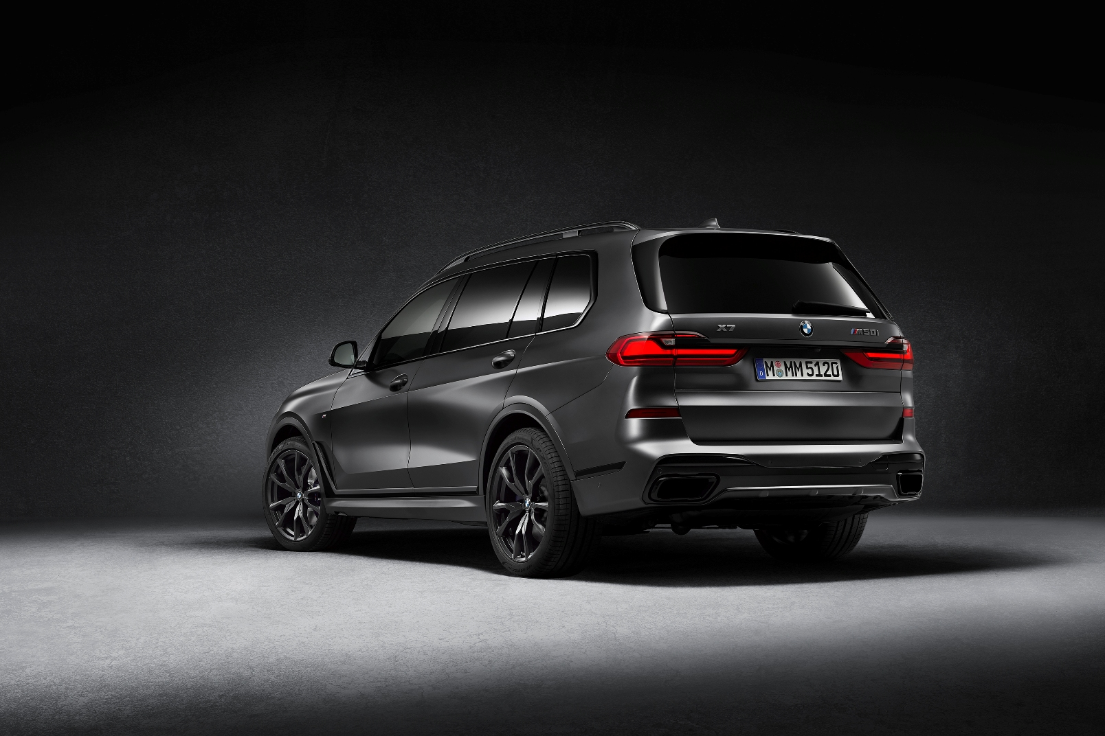 Bmw X7 Dark Shadow Edition (3)