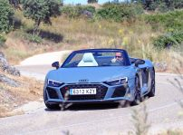 Audi R8 V10 Spyder 2