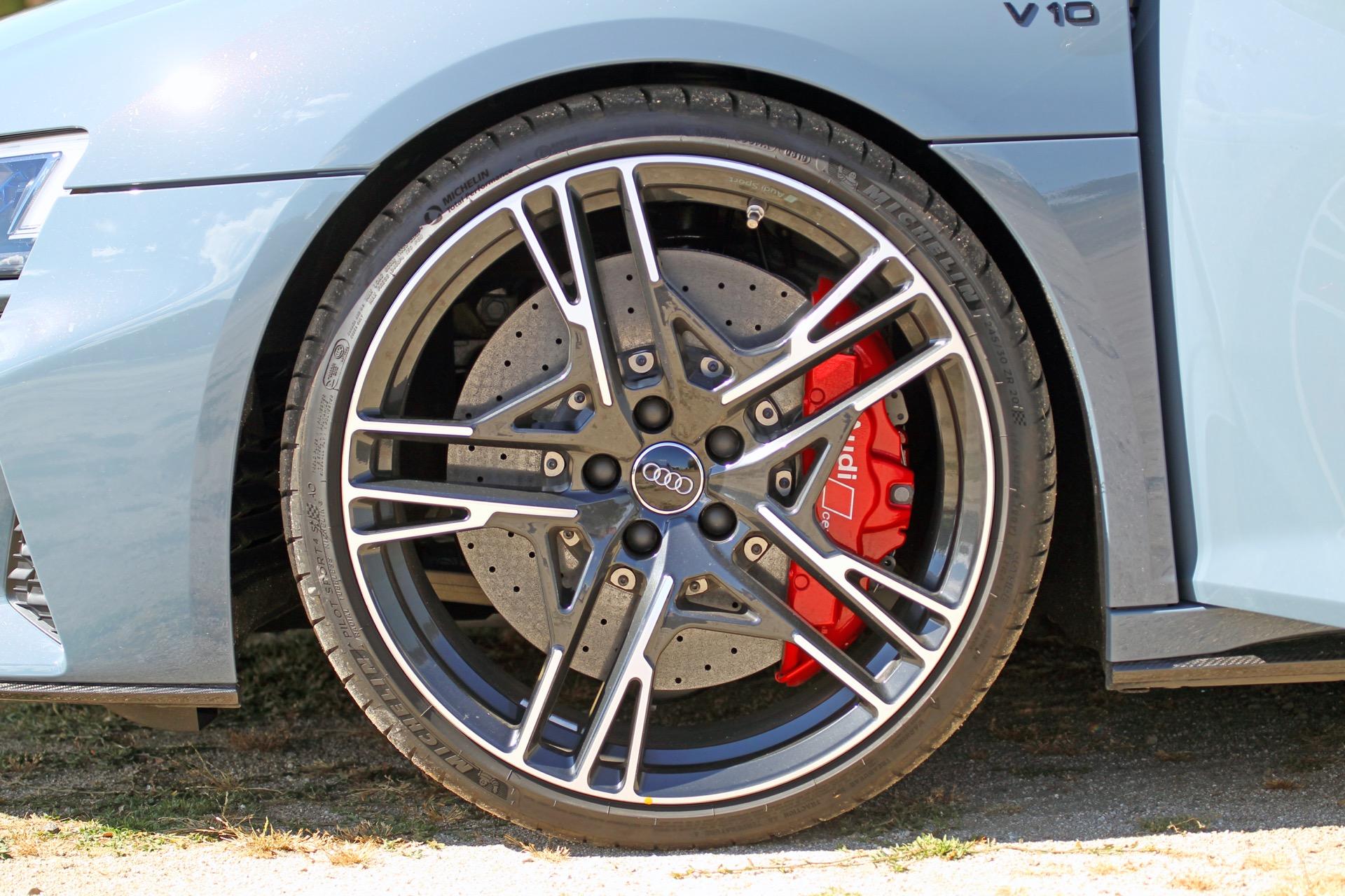 Audi R8 V10 Spyder 6