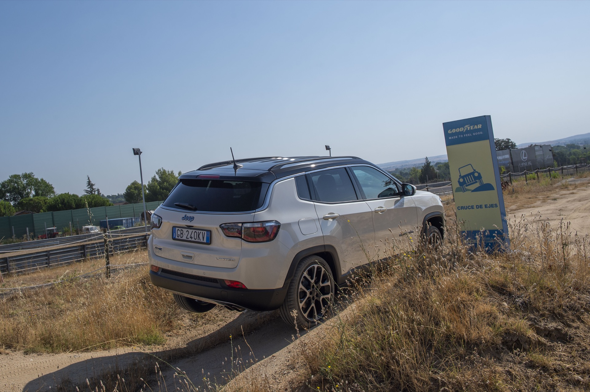Jeep Compass 4xe 10