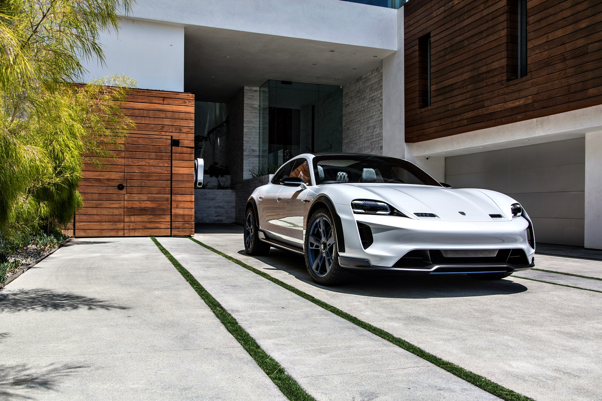 Porsche Mission E Cross Turismo 105