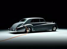 Rolls Royce Lunaz (7)