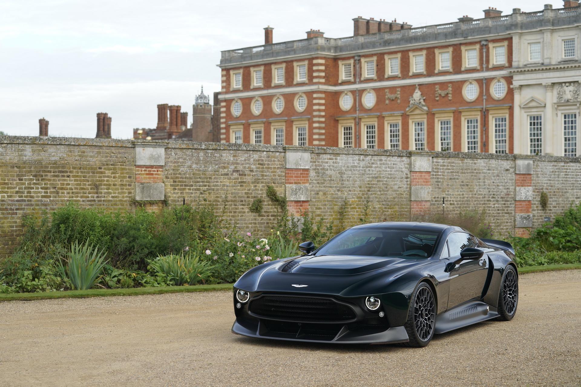 Aston Martin Victor Q Exclusivo