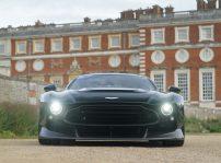 Aston Martin Victor Q Frontal