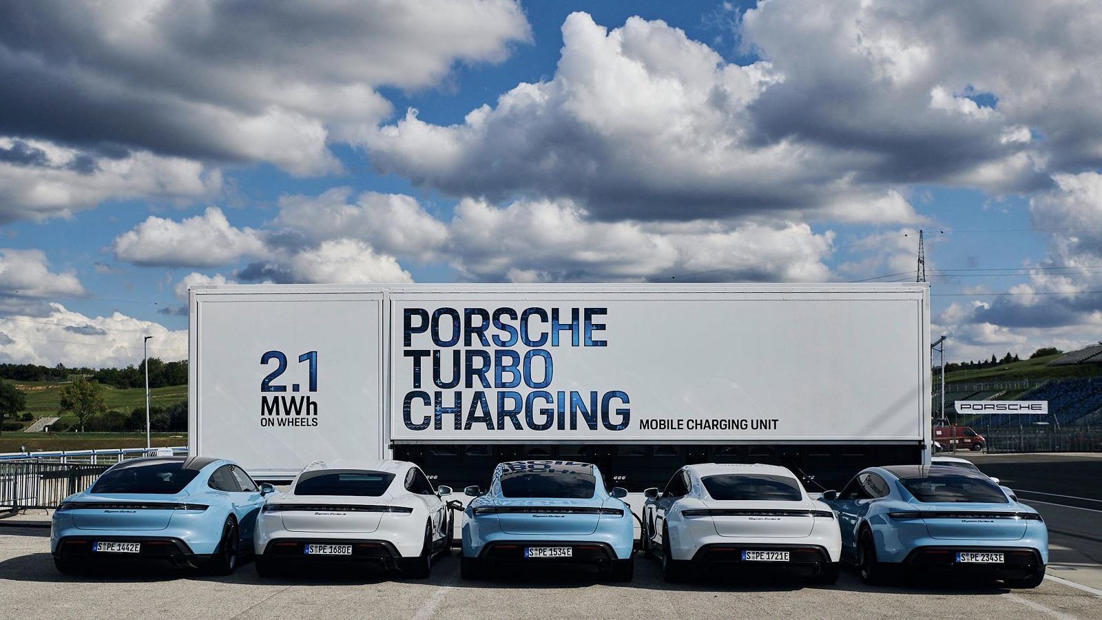 Porsche Taycan Camion Carga (4)