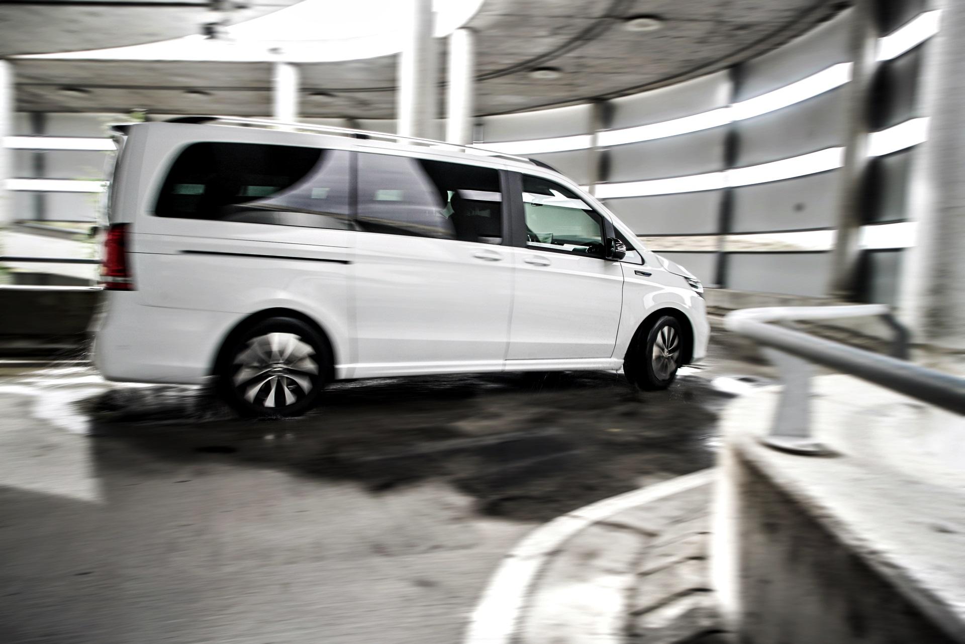 Prueba Mercedes Benz Eqv 300 (9)
