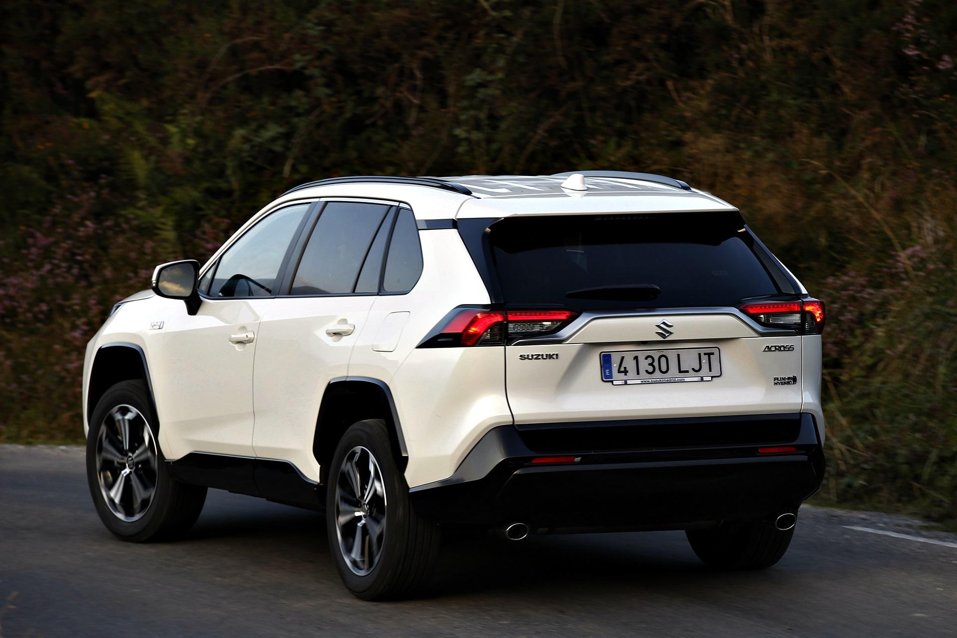 Suzuki Across Precio (7)