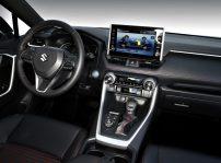 Suzuki Across Precio (8)