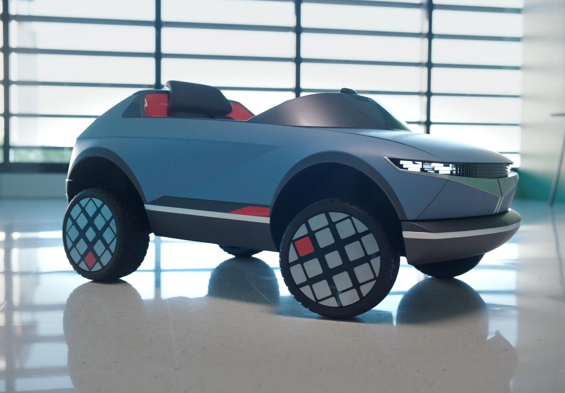 Hyundai Smallest Ev For Kids 5