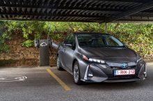 Nuevo Toyota Prius Plug-in: equipamiento, motores y precio en España