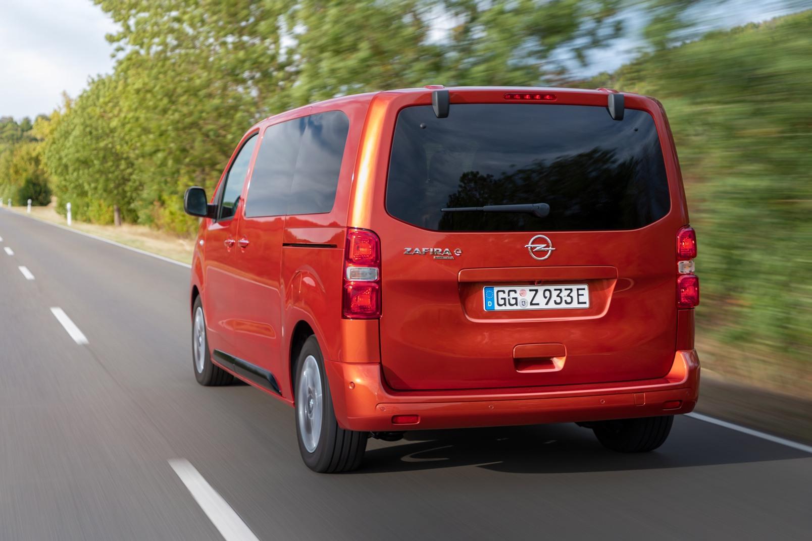 Opel Zafira E Life (5)
