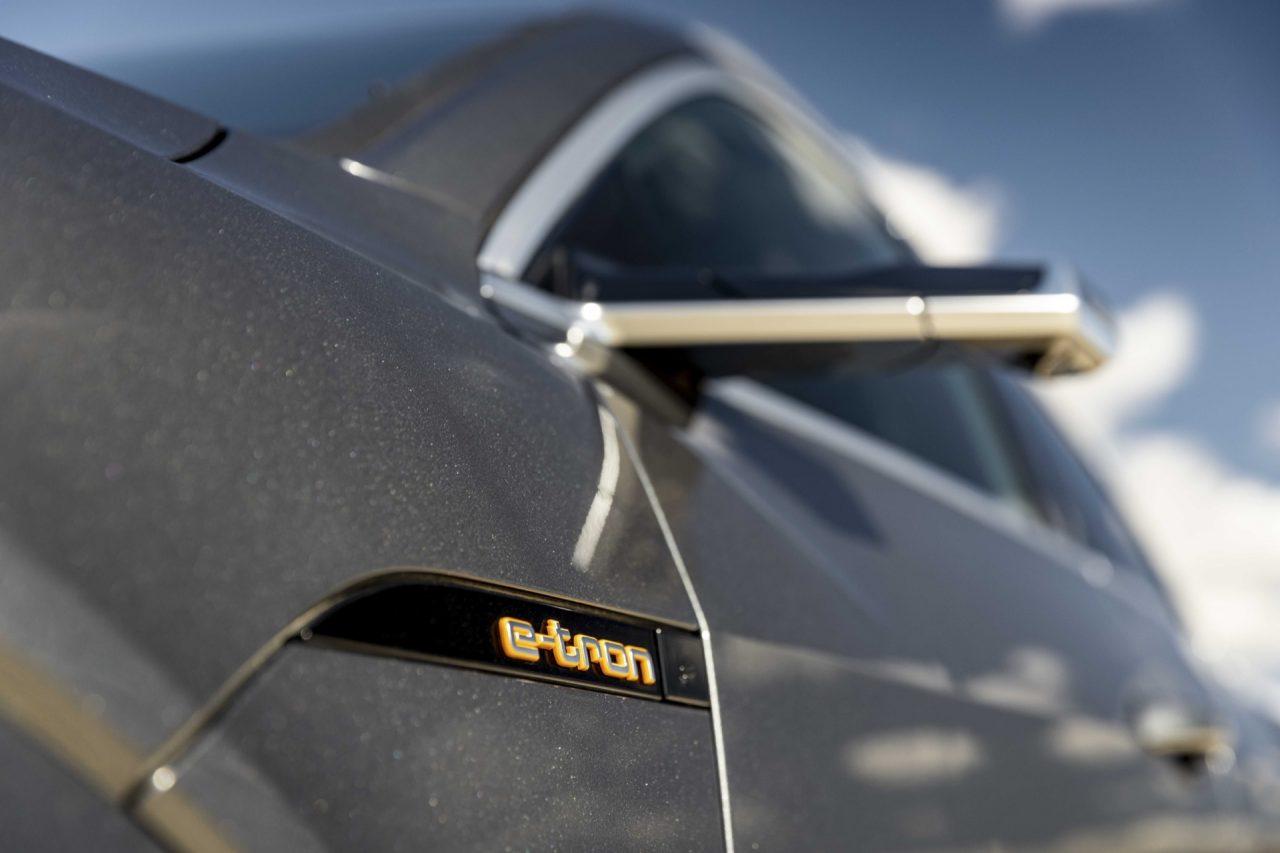 El Audi Q6 e-tron será una realidad y competirá con el Porsche Macan eléctrico