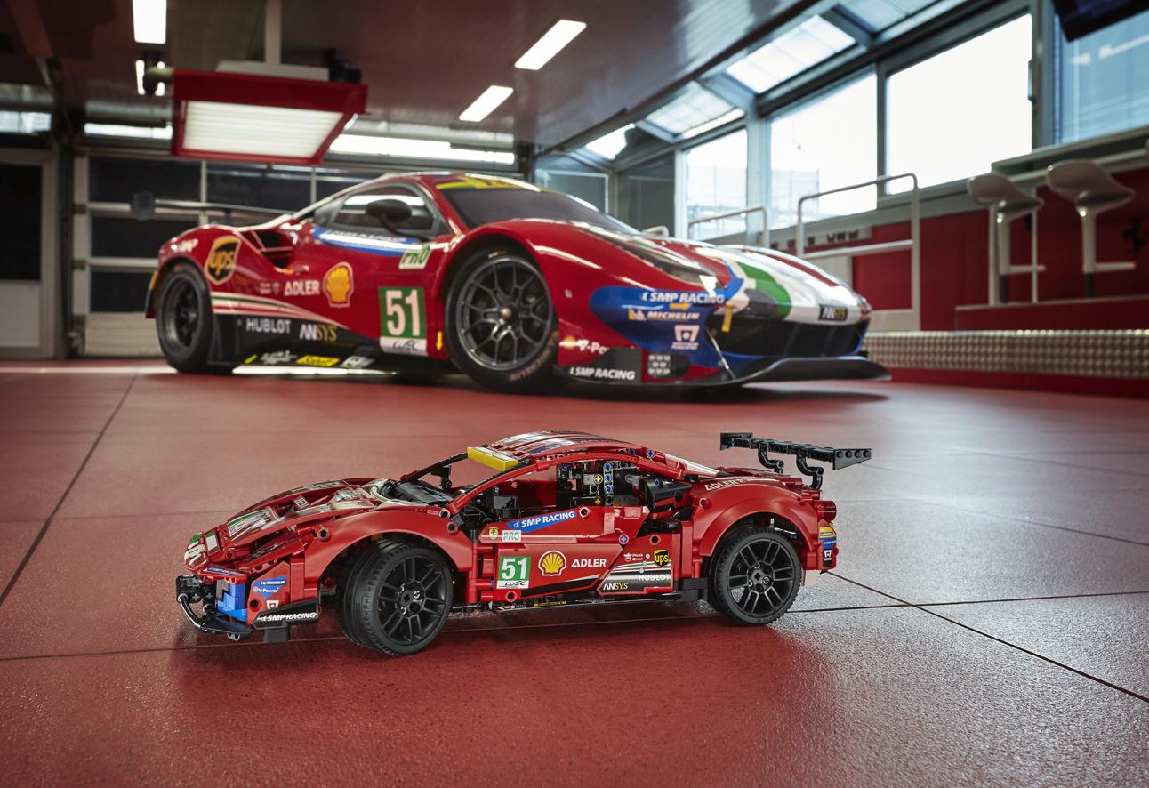 Lego Technic Ferrari 488 Gte 12