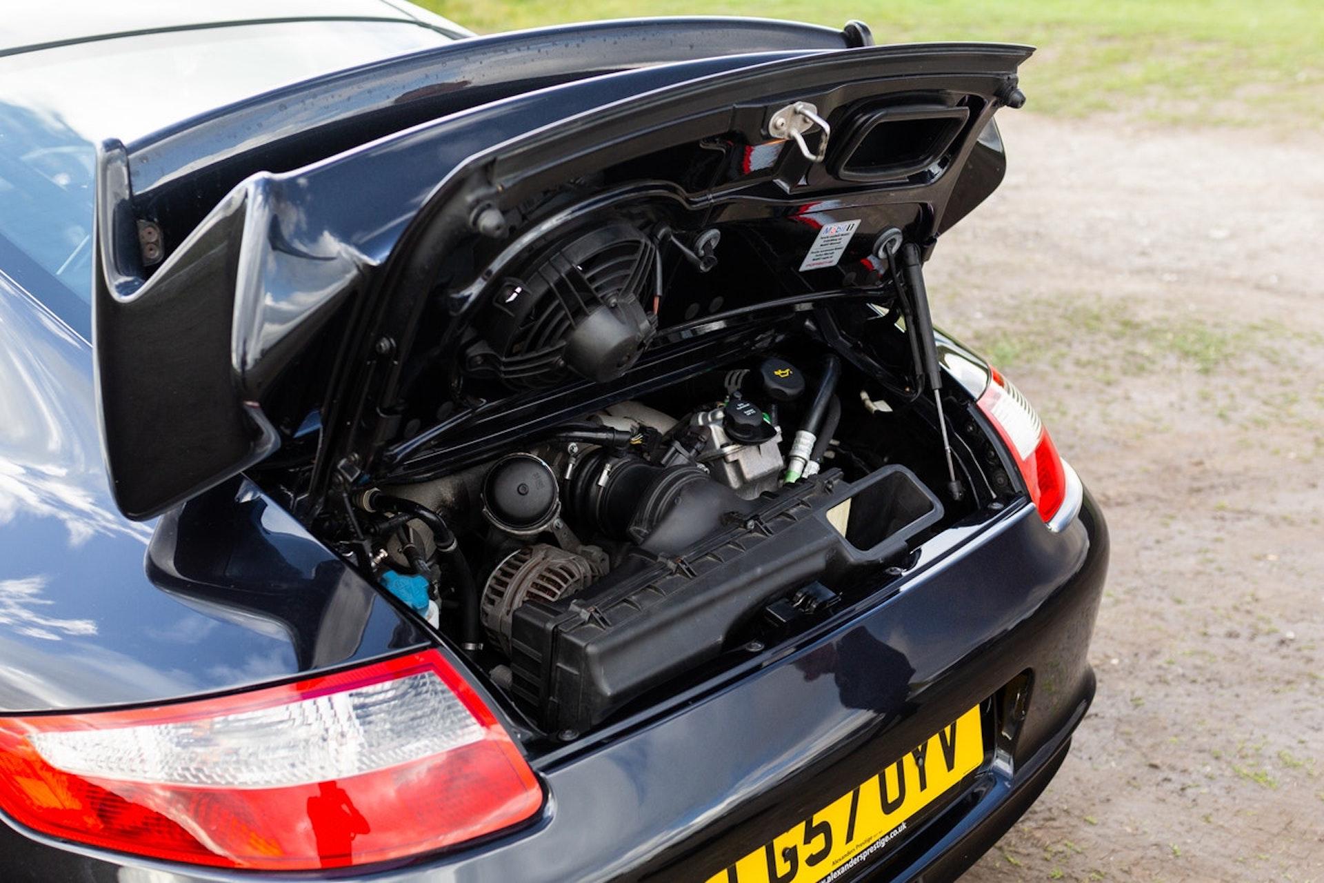 Porsche 911 Gt3 Subasta 300 000 Km 3