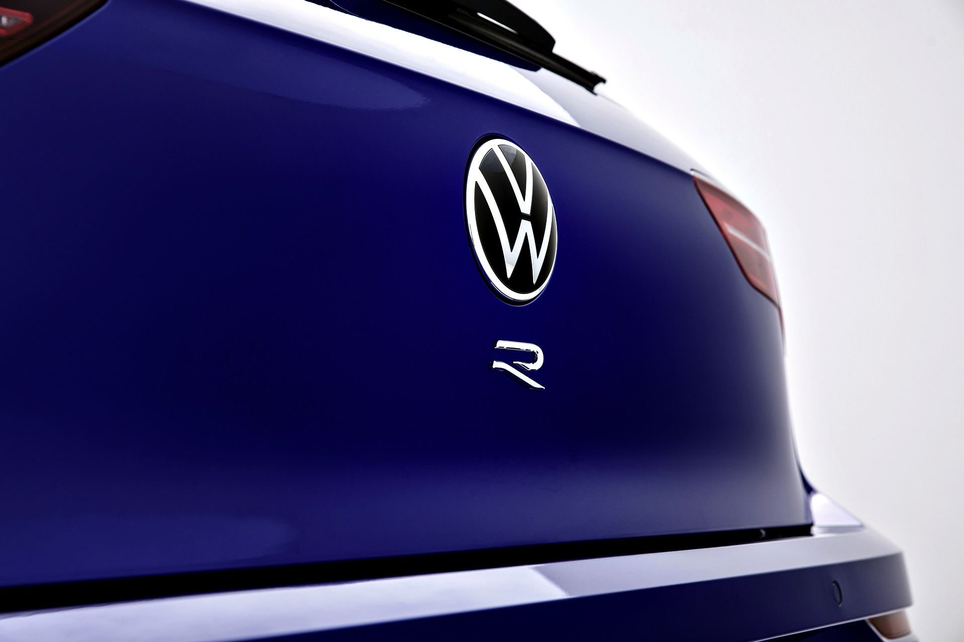 Volkswagen Golf R 98