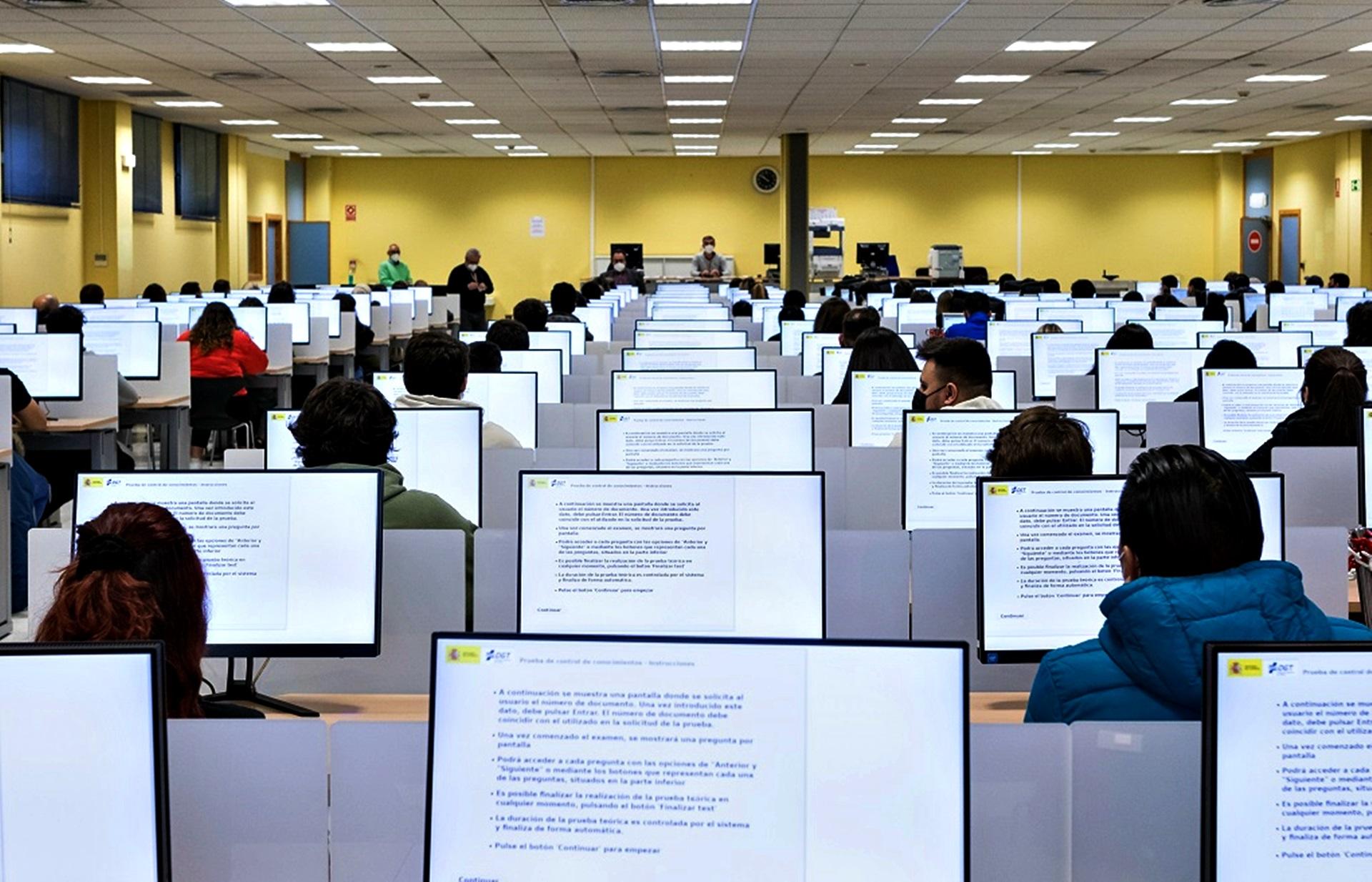 Examen De Conducir Foto Fuente Dgt