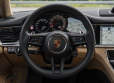 Porsche Panamera 4 2