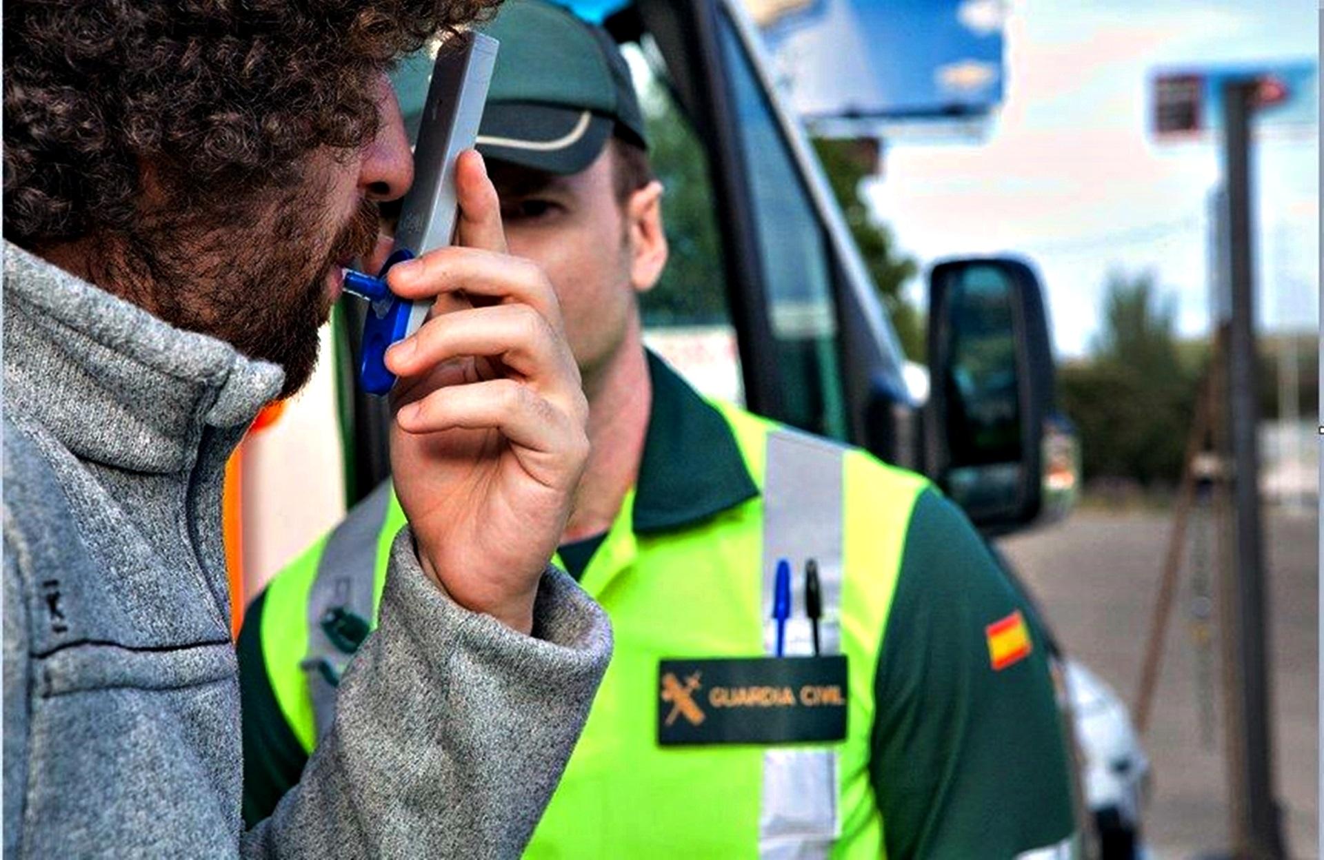 Test Control Alcohol Alcoholímetro Drogas Foto Fuente Dgt