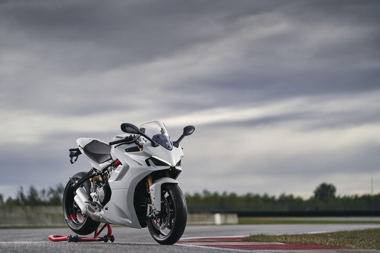 Ducati Supersport 950 2021 (5)