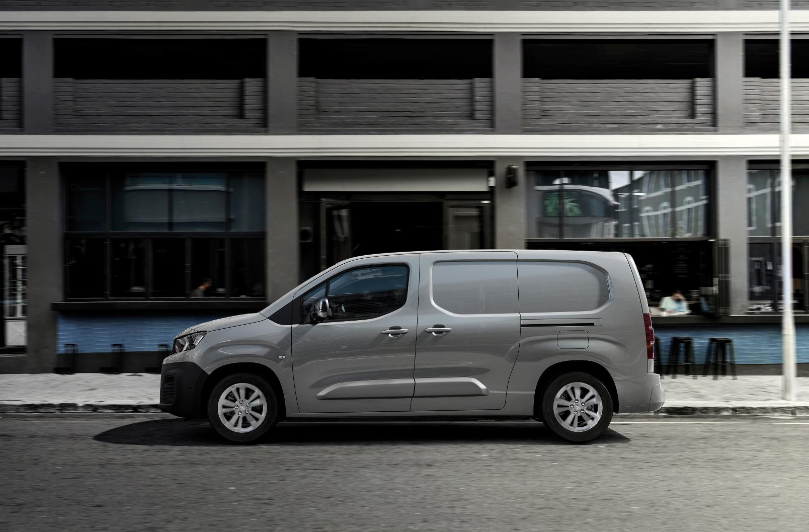 Peugeot E Partner 2021 (6)