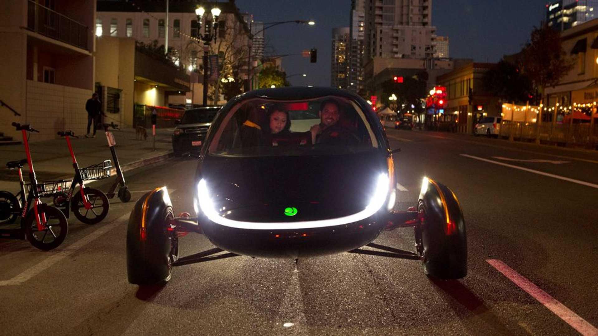 Aptera Triciclo Electrico Noche