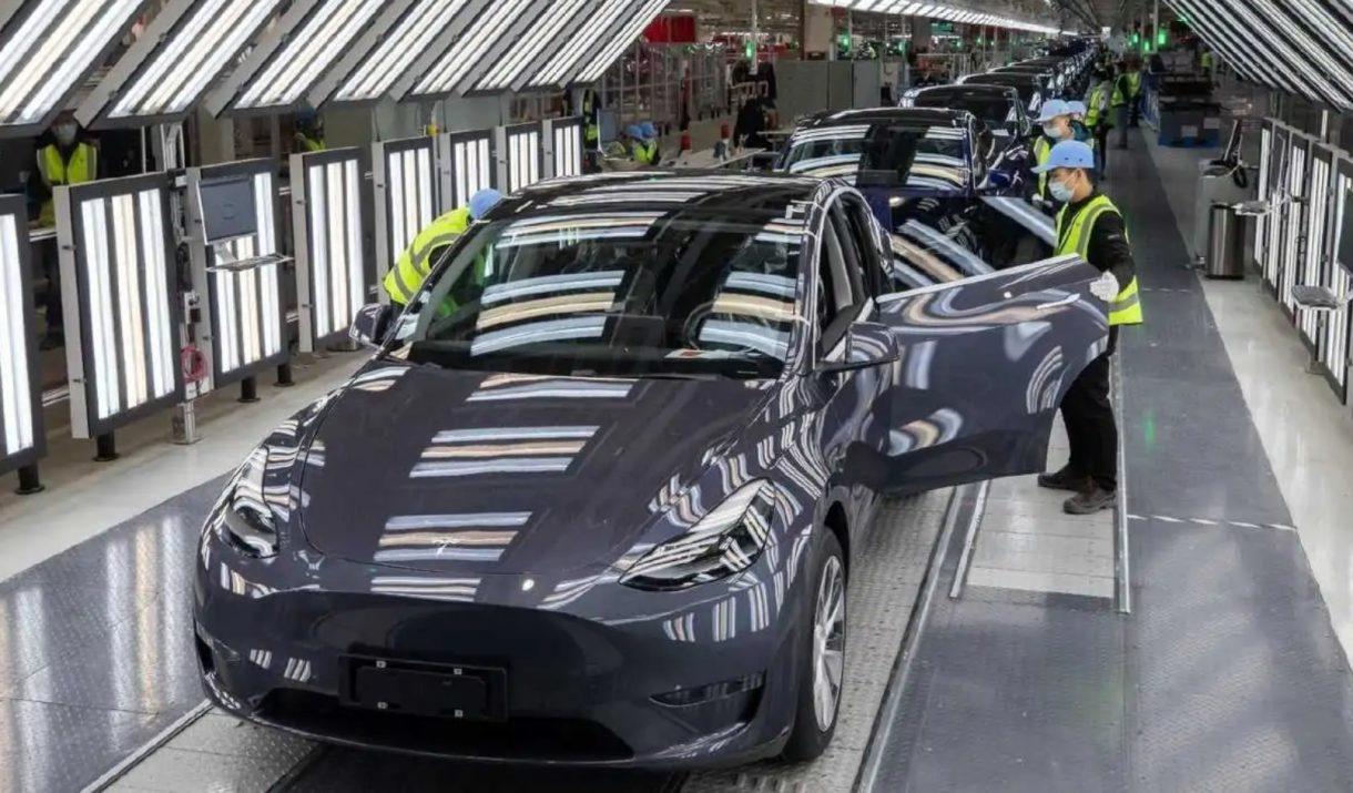 Tesla Model Y Fabrica Shaghai