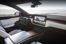 El polémico volante del Tesla Model S es legal en Europa, así que puedes estar tranquilo