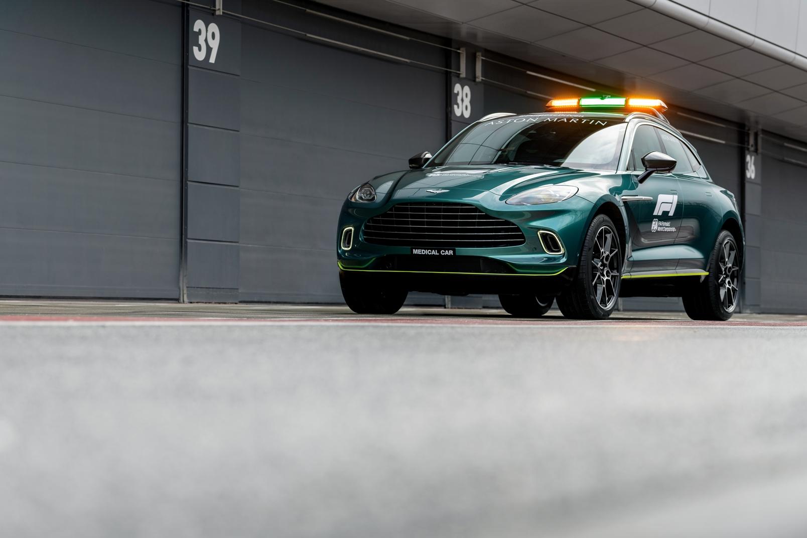 Aston Martin Dbx Official Medical Car Of Formula One (1)