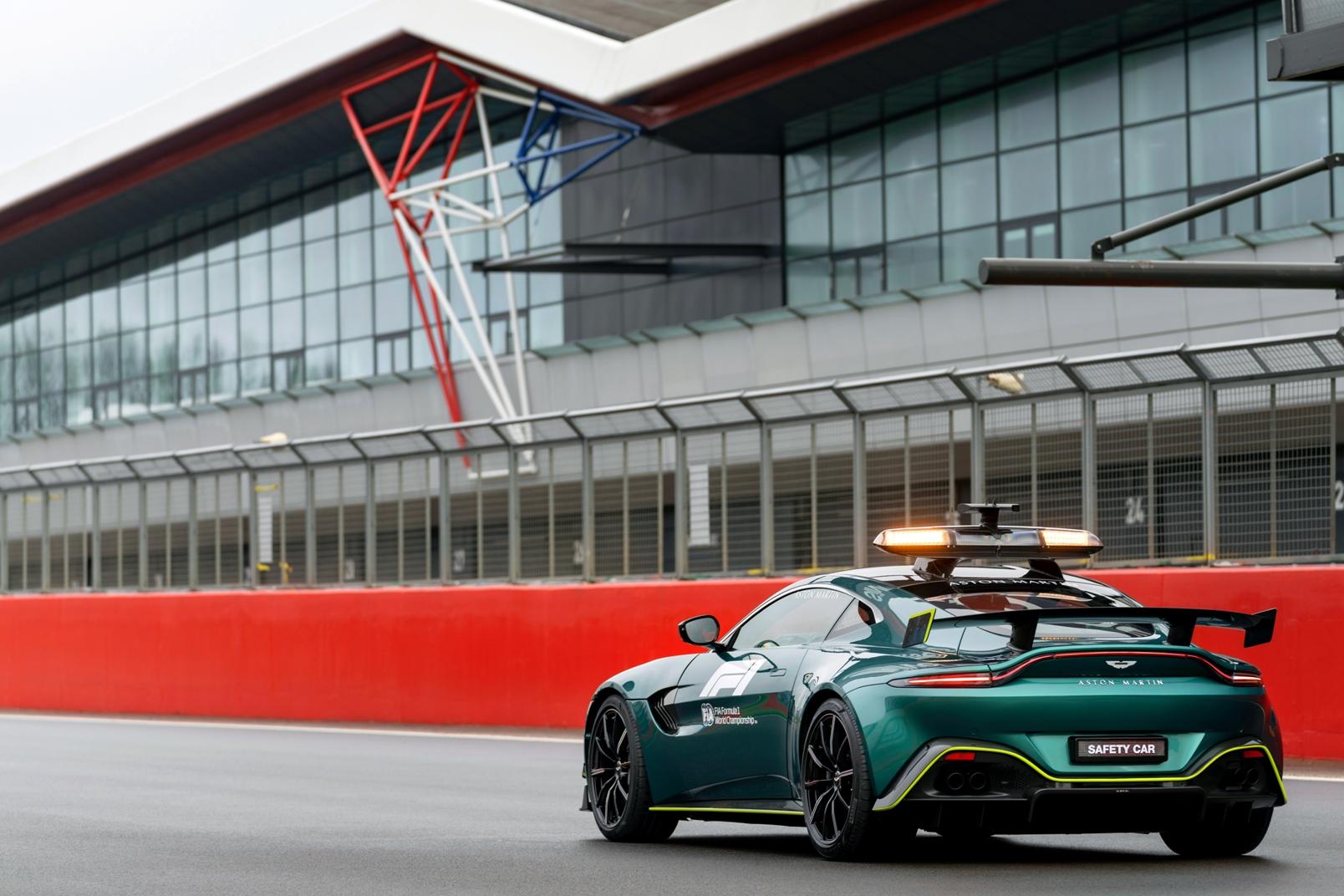 Aston Martin Vantage Official Safety Car Formula One (10)