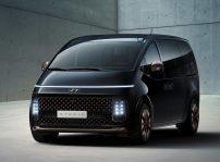 Hyundai Staria (1)