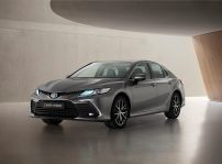 Toyota Camry Electric Hybrid 2021 (1)