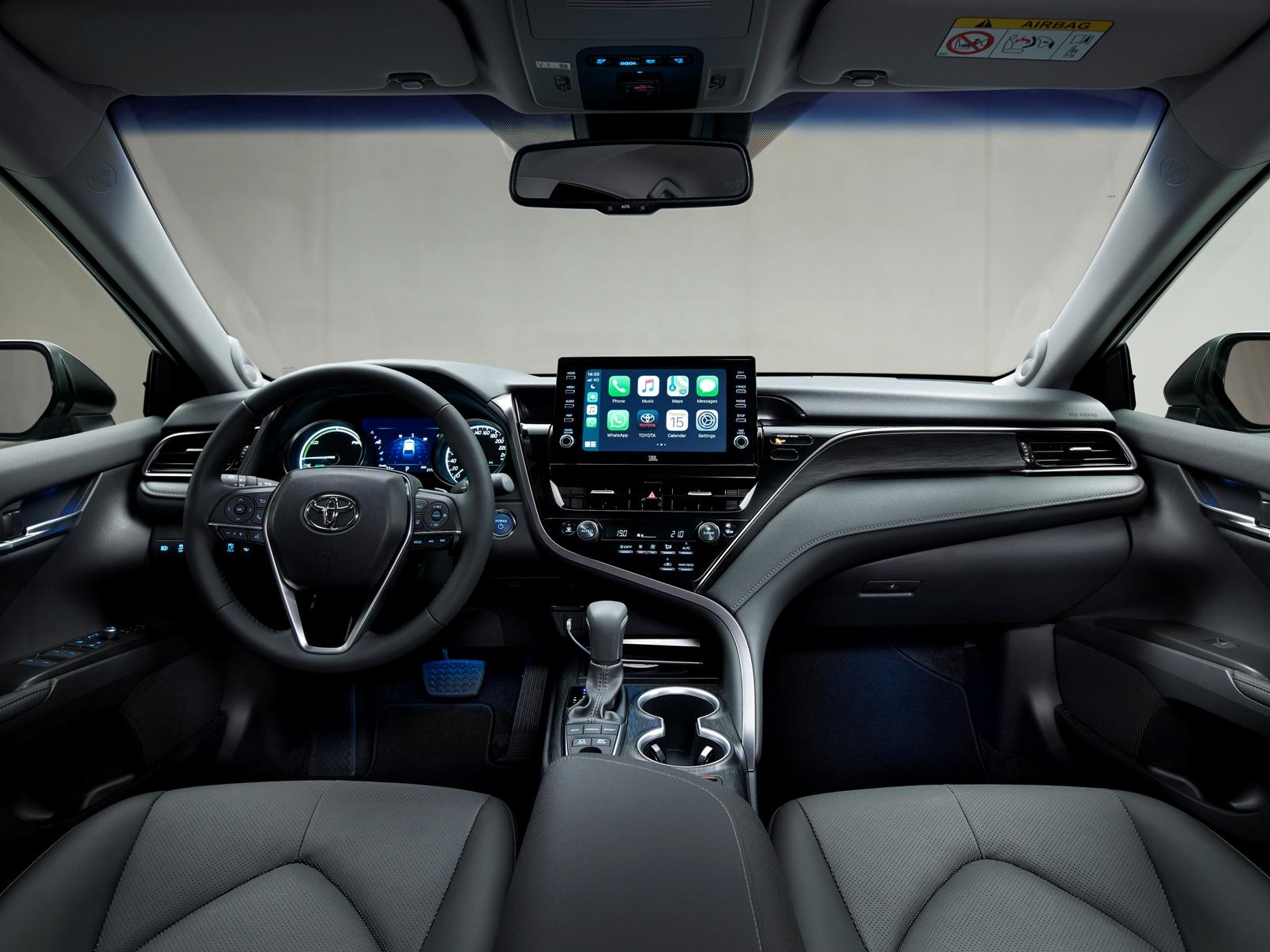 Toyota Camry Electric Hybrid 2021 (11)