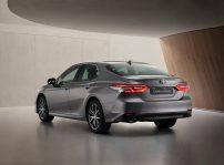 Toyota Camry Electric Hybrid 2021 (2)