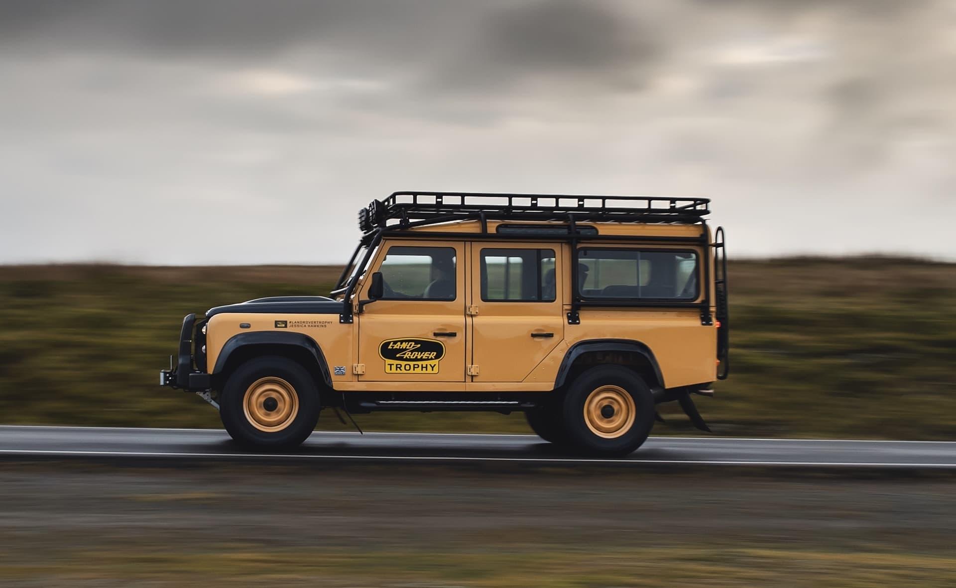 Land Rover Defender Works V8 Trophy Clasico