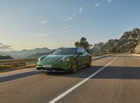 Porsche Taycan Cross Turismo 1