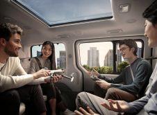 Hyundai Staria Premium 2021 (6)