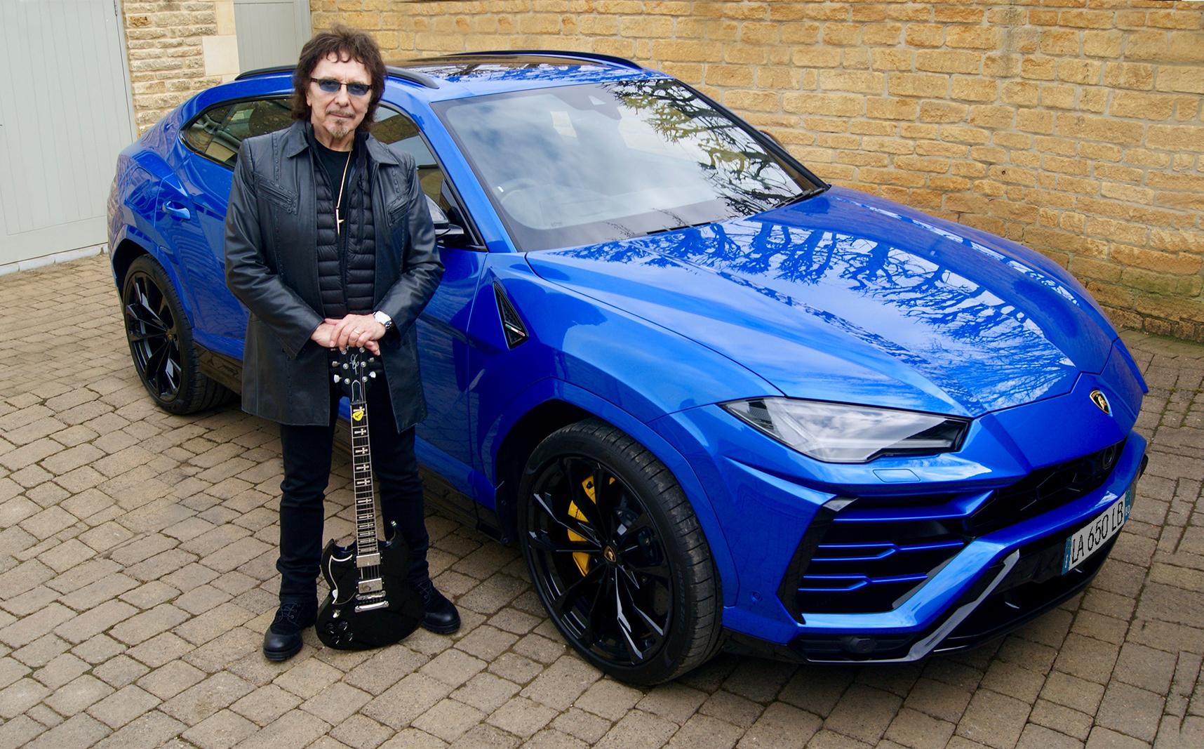 Lamborghini Urus Black Sabbath