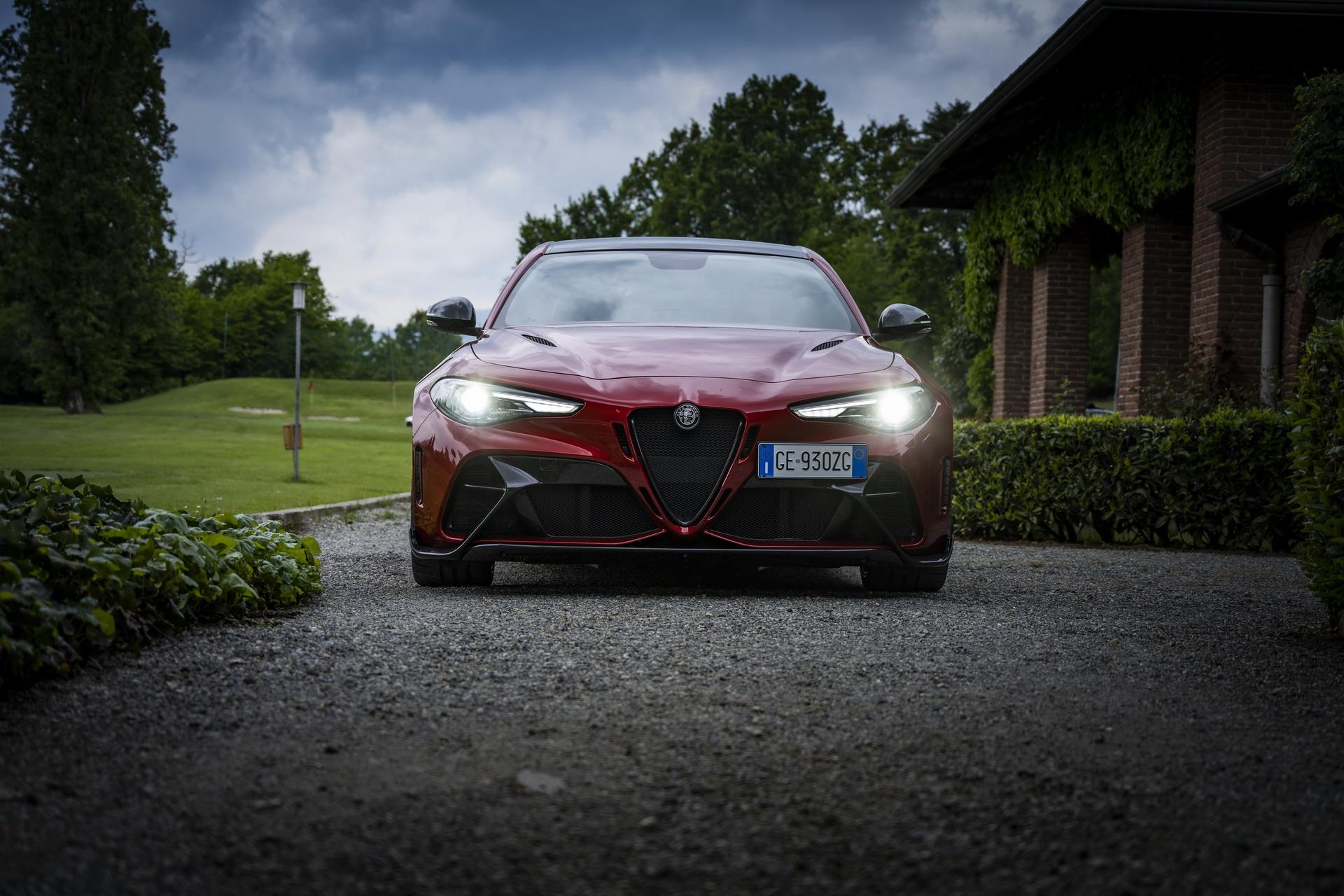 Alfa Romeo Giulia Gtam 12