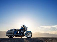 Harley Davidson Electra Glide Revival 2021 (2)