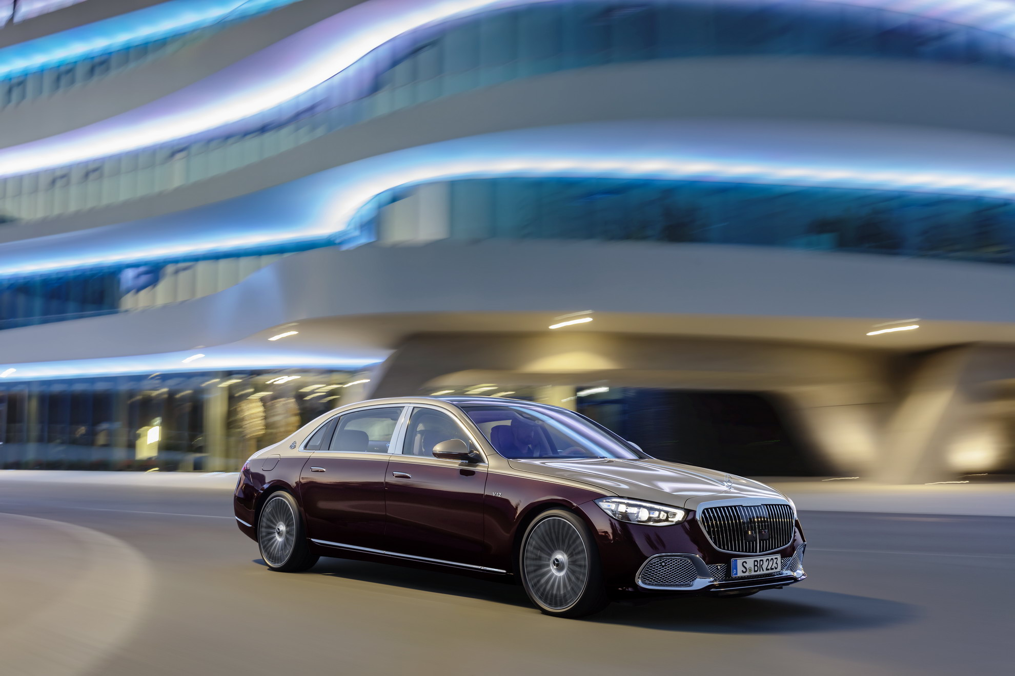 Mercedes Maybach S680 4matic 2022 (4)