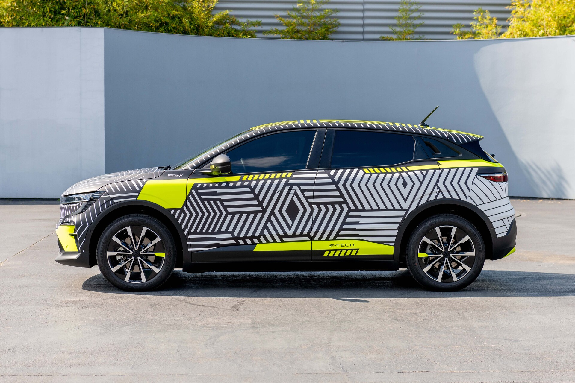 2021 New Renault Megane Etech Electric Preproduction 4