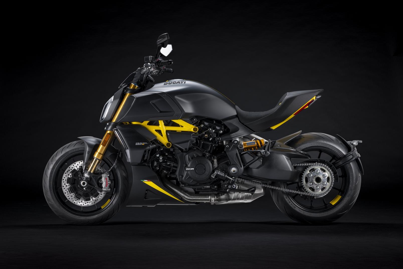Ducati Diavel 1260 S Black And Steel (5)