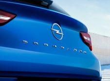 Opel Grandland Hybrid 2022 (10)