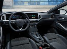Opel Grandland Hybrid 2022 (11)