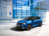 Opel Grandland Hybrid 2022 (4)