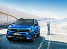 Opel Grandland Hybrid 2022 (6)