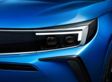 Opel Grandland Hybrid 2022 (8)