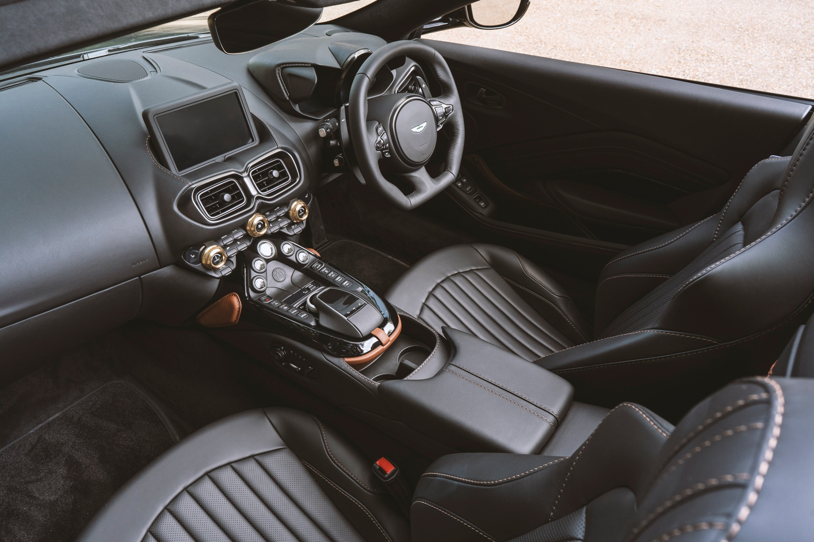 Q By Aston Martin Vantage Roadster 'a3' (10)