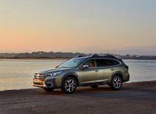 Subaru Outback 2021 (8)